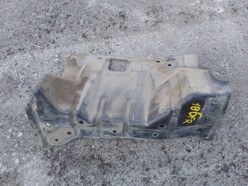 Защита двигателя Mitsubishi Outlander Xl CW5W 4B12 2007 передняя правая