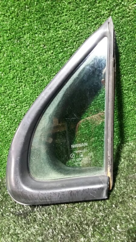 Стекло двери (глухое) Nissan R'nessa N30 SR20DE 1997 переднее левое