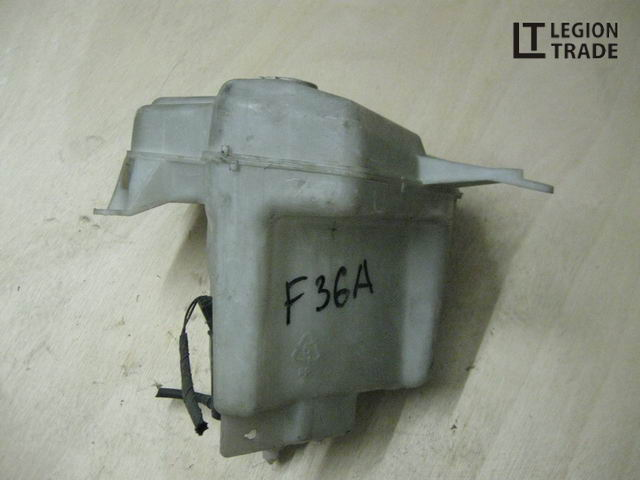 Бачок омывателя Mitsubishi Diamante F34A