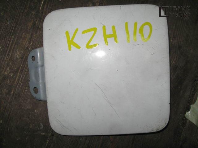 Лючок бензобака Toyota Hiace KZH110