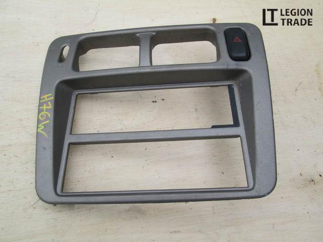 Панель пластиковая Mitsubishi Pajero Io H76W