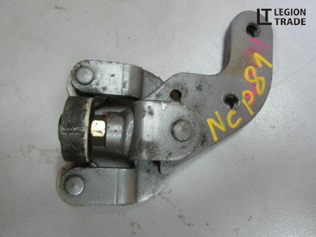 Ролик раздвижной двери Toyota Sienta NCP81