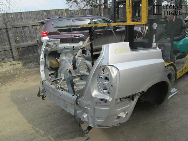 Задняя часть автомобиля Toyota Kluger V MCU25 1MZFE 12.2000 задняя