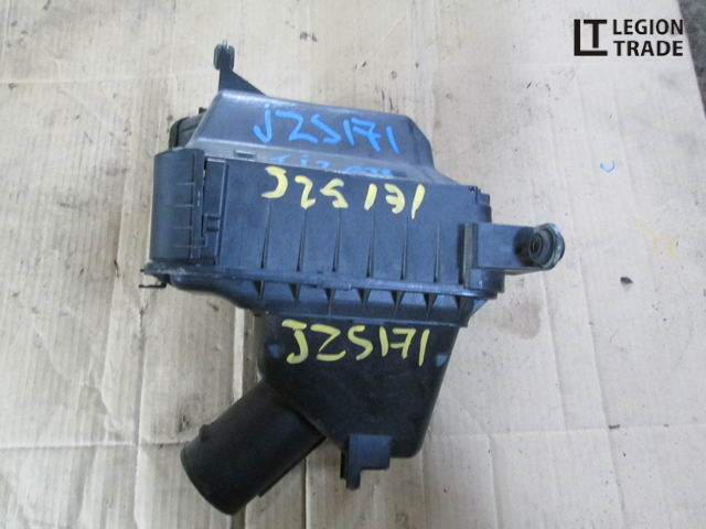 Коробка воздушного фильтра Toyota Crown Athlete JZS171