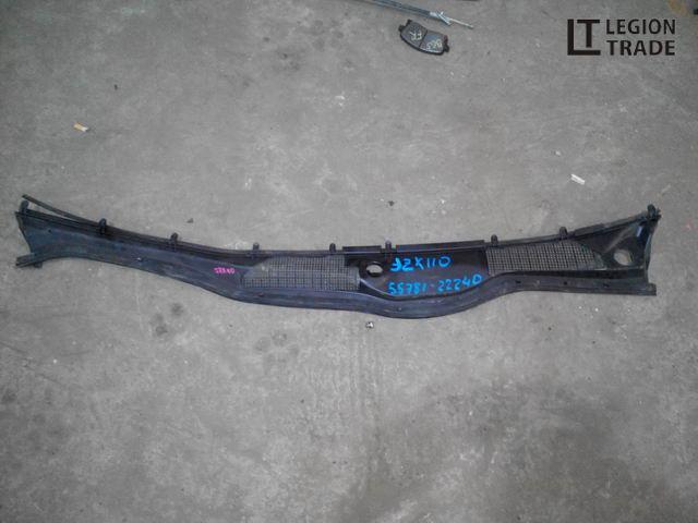 Решетка под лобовое стекло Toyota Mark Ii GX110