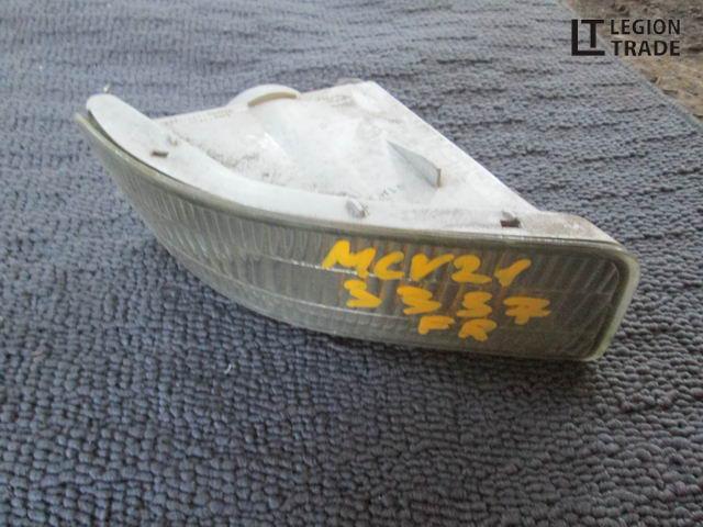 Повторитель бамперный Toyota Mark Ii Qualis MCV21 2MZFE передний правый