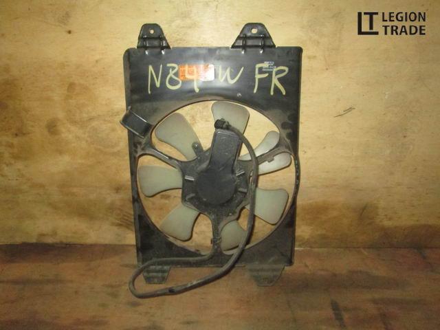 Диффузор радиатора Mitsubishi Chariot Grandis N84W правый