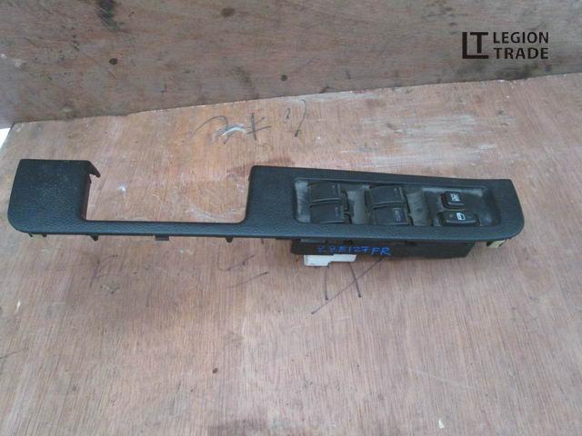 Блок управления стеклами Toyota Will Vs ZZE127 передний правый