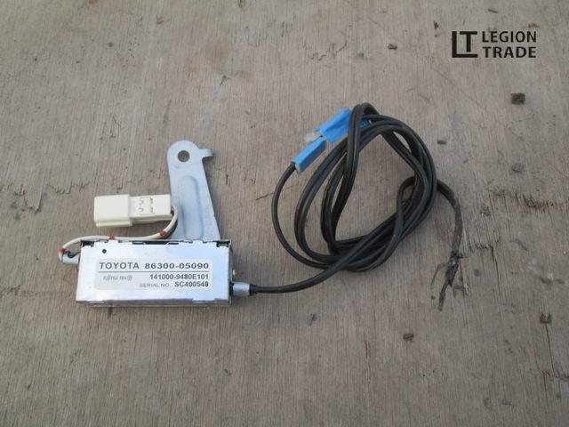 Усилитель магнитофона Toyota Avensis AZT250