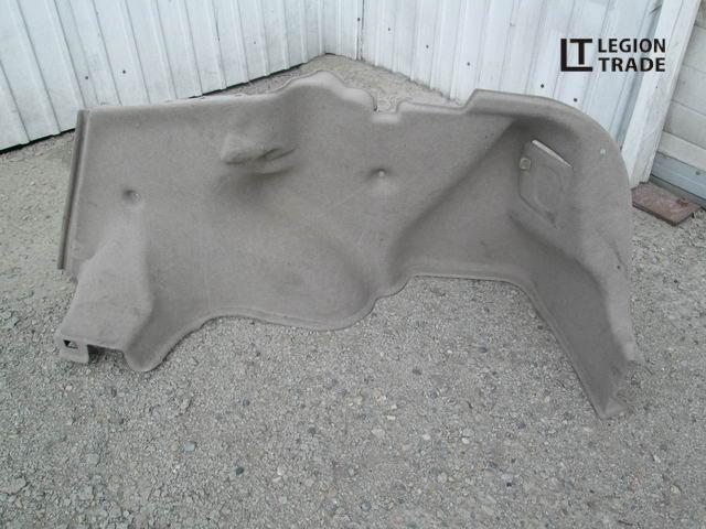 Обшивка багажника Toyota Premio ZZT240 задняя правая