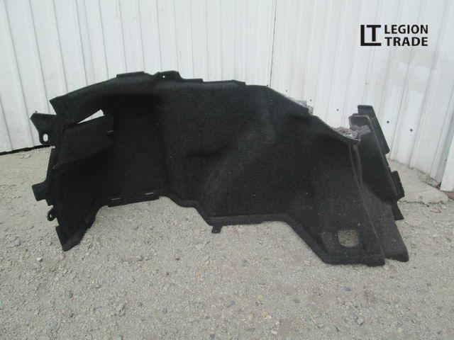 Обшивка багажника Toyota Avensis AZT250 задняя левая
