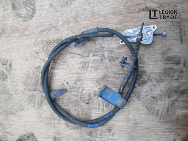 Тросик ручника Nissan Primera Wagon WRP12 левый
