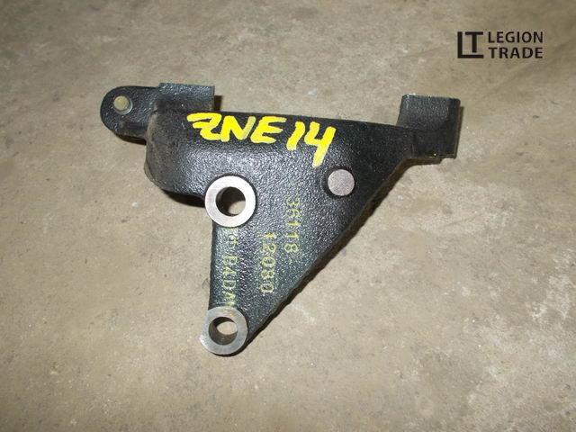 Кронштейн опоры двигателя Toyota Wish ZNE14 1ZZFE
