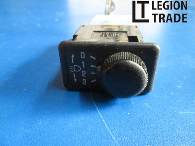 Кнопка корректора фар Nissan Terrano TR50 ZD30DDTI 1999.04