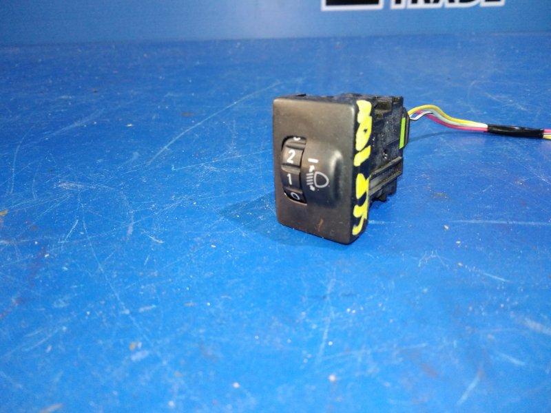 Кнопка корректора фар Toyota Ractis SCP100