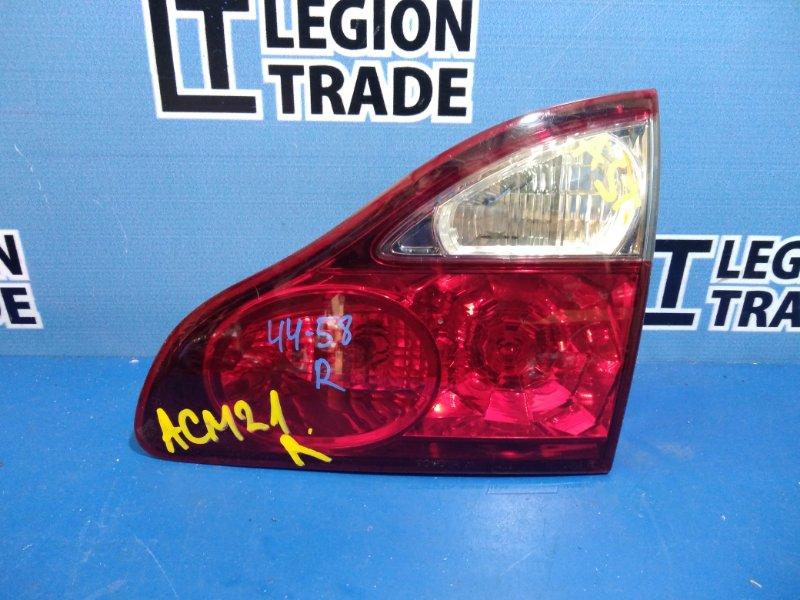 Вставка между стопов Toyota Ipsum ACM21 задняя правая