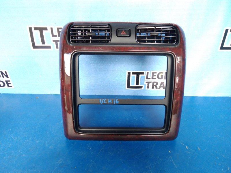 Консоль магнитофона Toyota Granvia VCH16