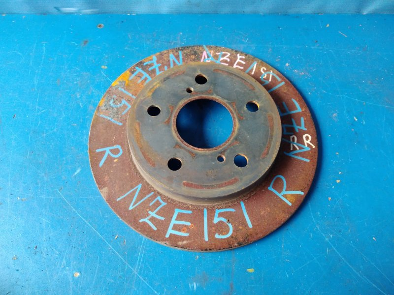 Тормозной диск Toyota Auris NZE151 1NZFE 2009.05 задний