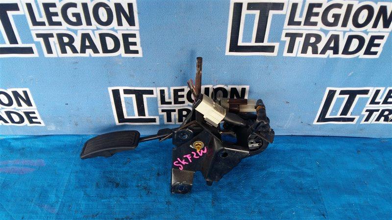 Педаль подачи топлива Mazda Bongo SKF2V RFTE