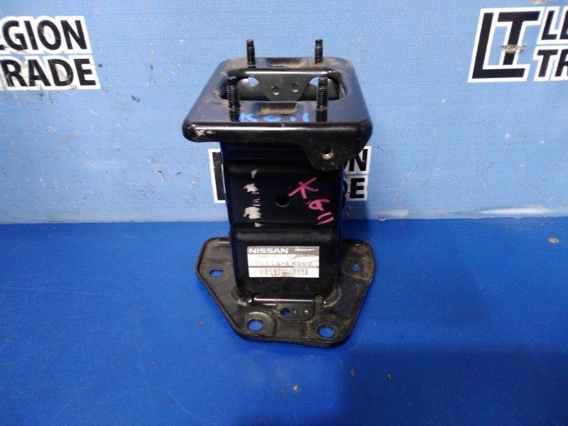 Кронштейн усилителя бампера Nissan Bluebird Sylphy KG11 передний левый