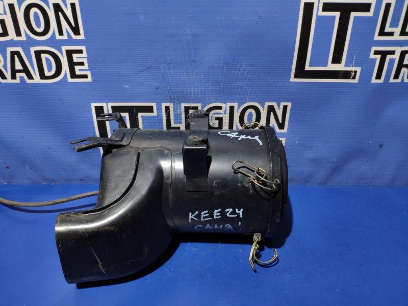 Коробка воздушного фильтра Nissan Caravan KRE24