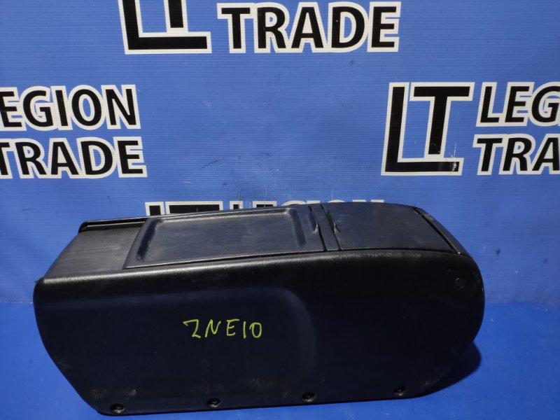 Консоль между сидений Toyota Wish ZNE10