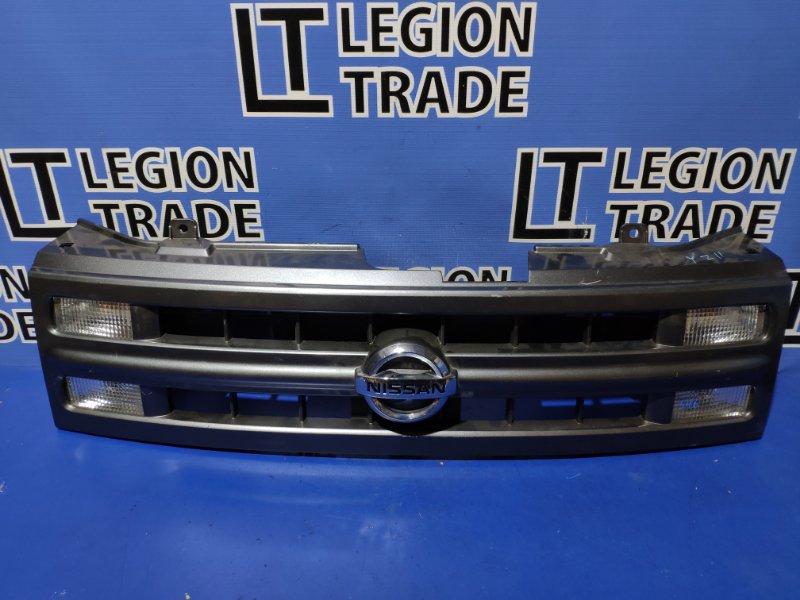 Решетка радиатора Nissan Cube BZ11
