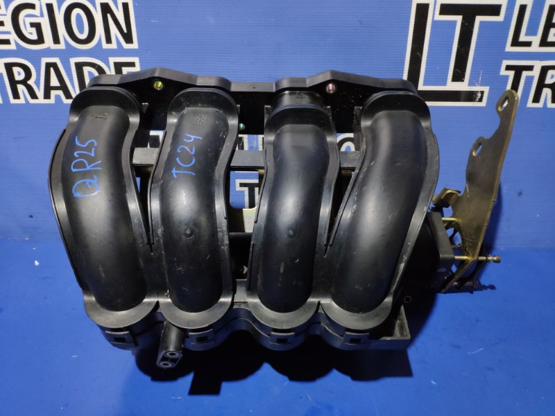 Коллектор впускной Nissan Serena TC24 QR25DE