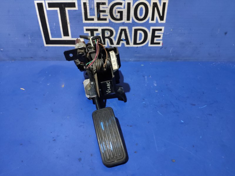 Педаль подачи топлива Mazda Bongo SKF2