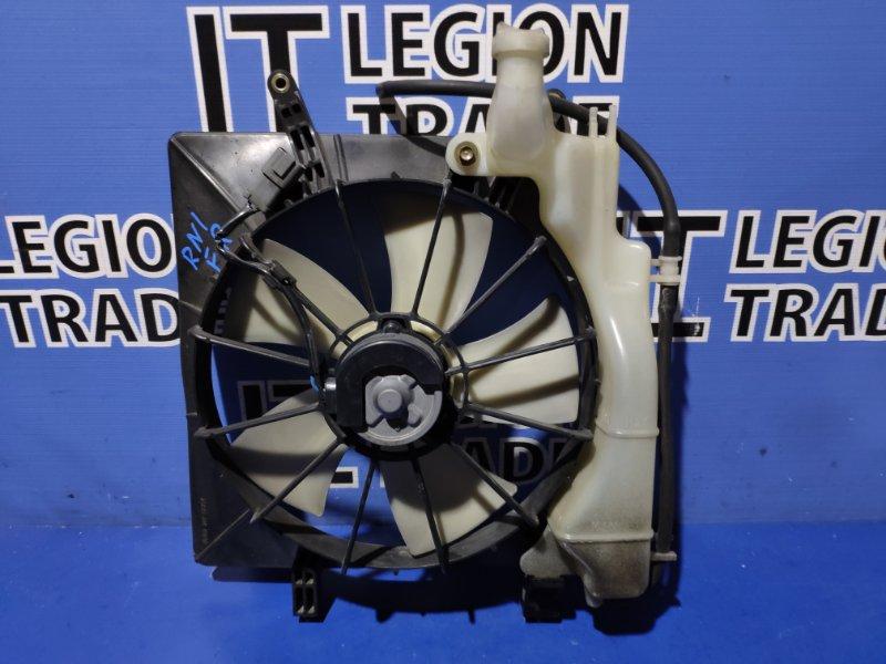 Диффузор радиатора Honda Stream RN1 D17A передний правый