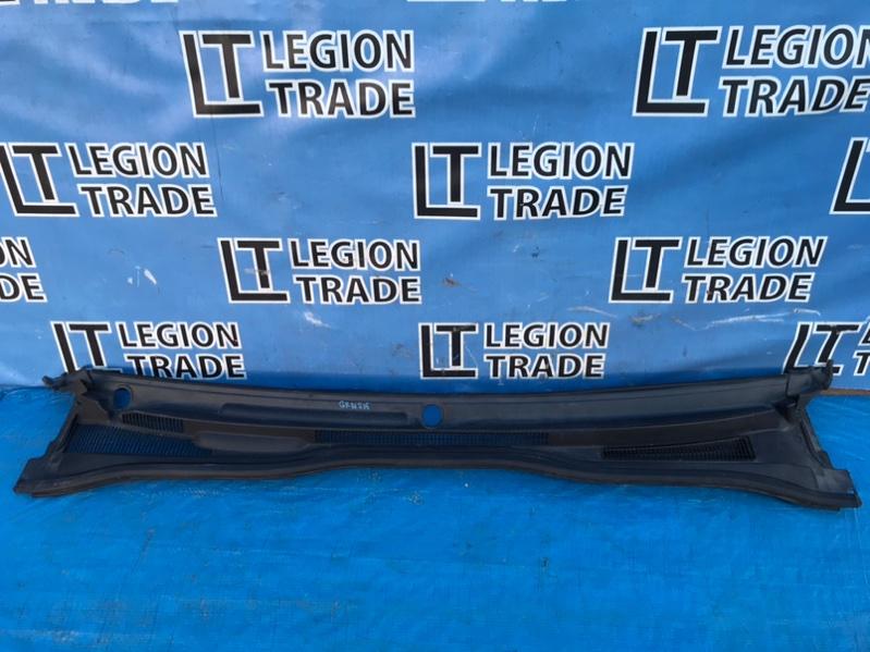 Решетка под лобовое стекло Toyota Hilux Surf GRN215 1GRFE 10.2007