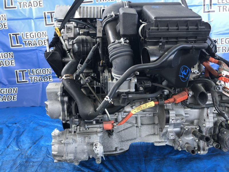 Двигатель Toyota Prius ZVW30 2ZRFXE 10.2011