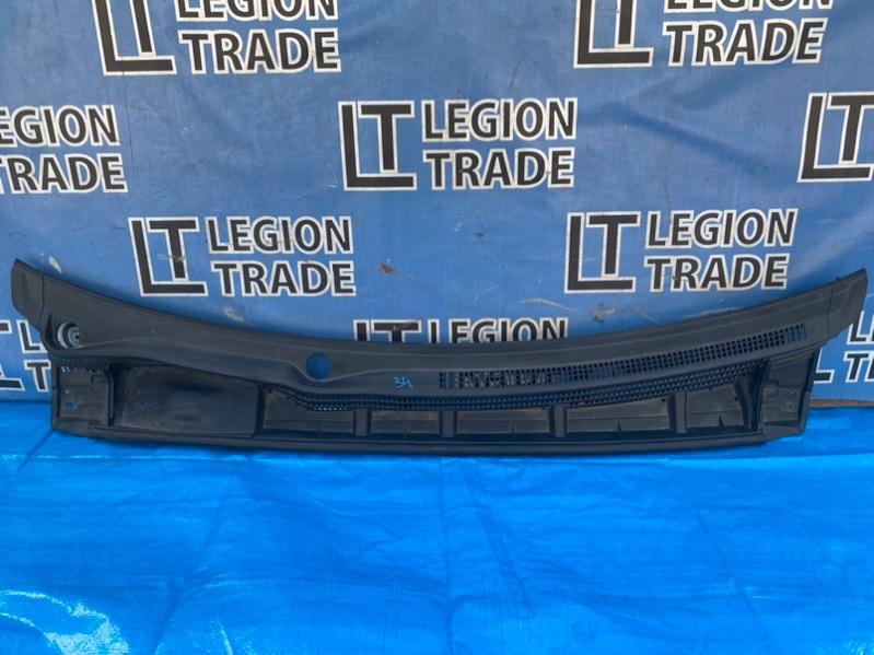 Решетка под лобовое стекло Toyota Prius ZVW30 2ZRFXE 10.2011