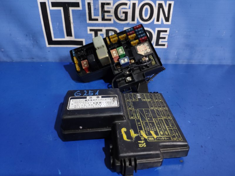 Блок предохранителей Honda Vigor CC2 G25A