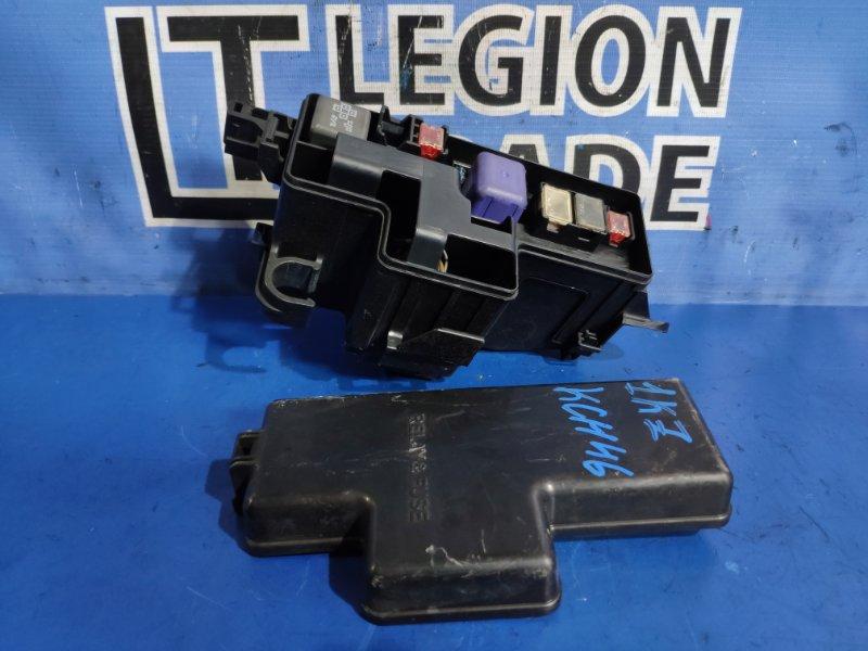 Блок предохранителей Toyota Hiace Regius KCH46 1KZ