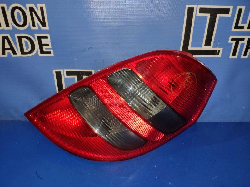 Стоп-сигнал Mercedes-Benz A200 W169.034 W245 M266E20LA 266.980 30 488944 11/03/2008 задний правый
