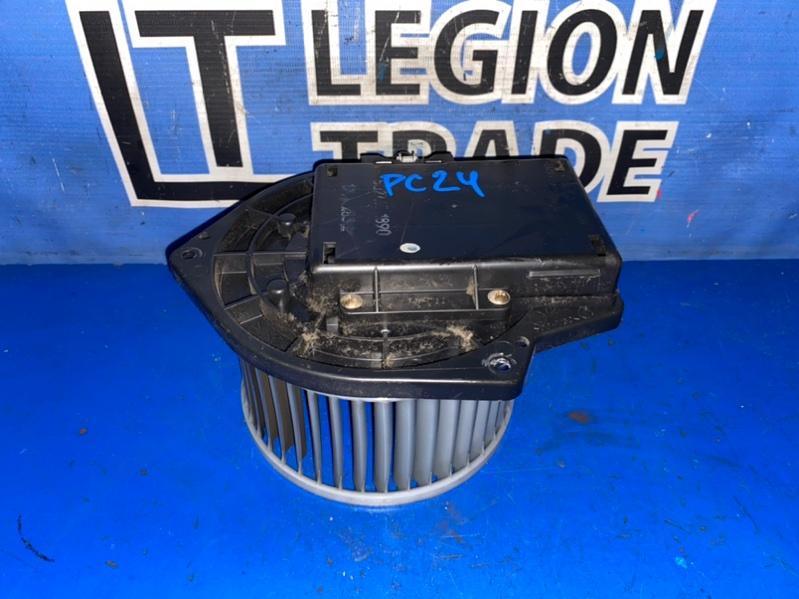 Мотор печки Nissan Serena PC24