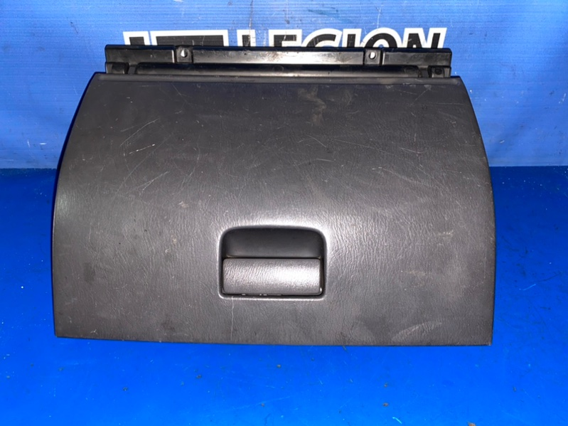 Бардачок Nissan Datsun RMD22 QD32 03.2001