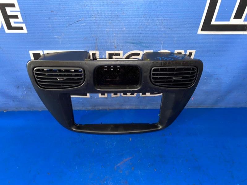 Консоль центральная Toyota Town Ace Noah KR42 7K 08.2002