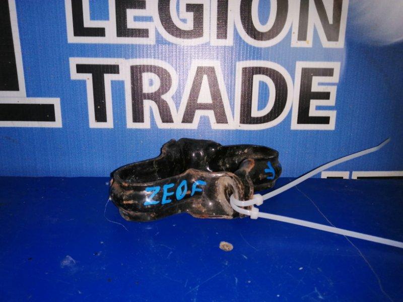 Крепление стабилизатора Nissan Leaf ZE0 EM61 07.2011 переднее