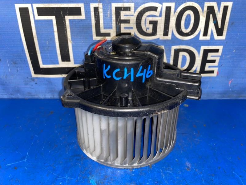 Мотор печки Toyota Hiace KCH46