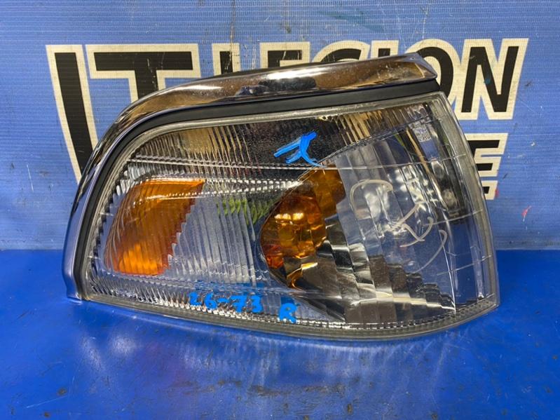 Габарит Toyota Hiace Regius RCH41 передний правый