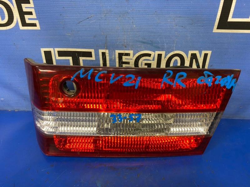 Вставка между стопов Toyota Windom MCV21 задняя правая