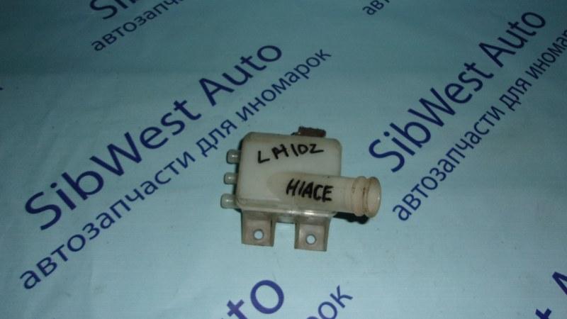 Бачок для тормозной жидкости Toyota Hiace LH102 2L