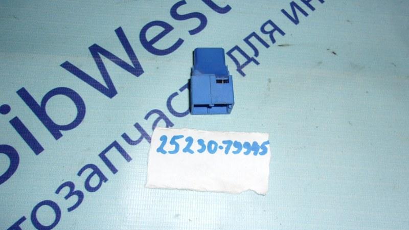 Реле Nissan Bluebird Sylphy QG10