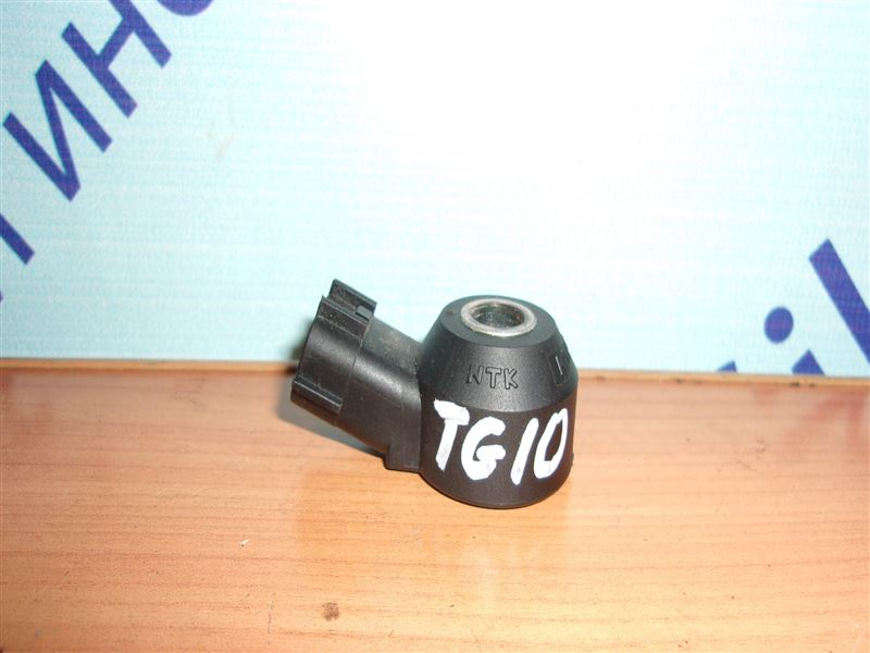 Датчик детонации Nissan Bluebird Sylphy TG10 QR20DD