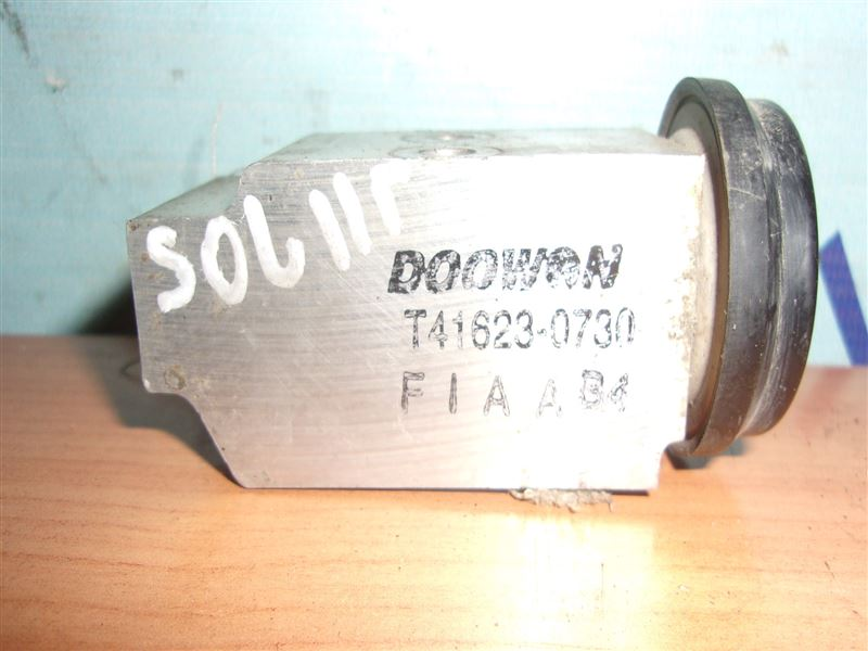Клапан кондиционера Hyundai Solaris RB G4FA 2011