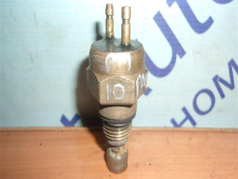 Датчик включения вентилятора Nissan Prairie PM10 CA18S 1988