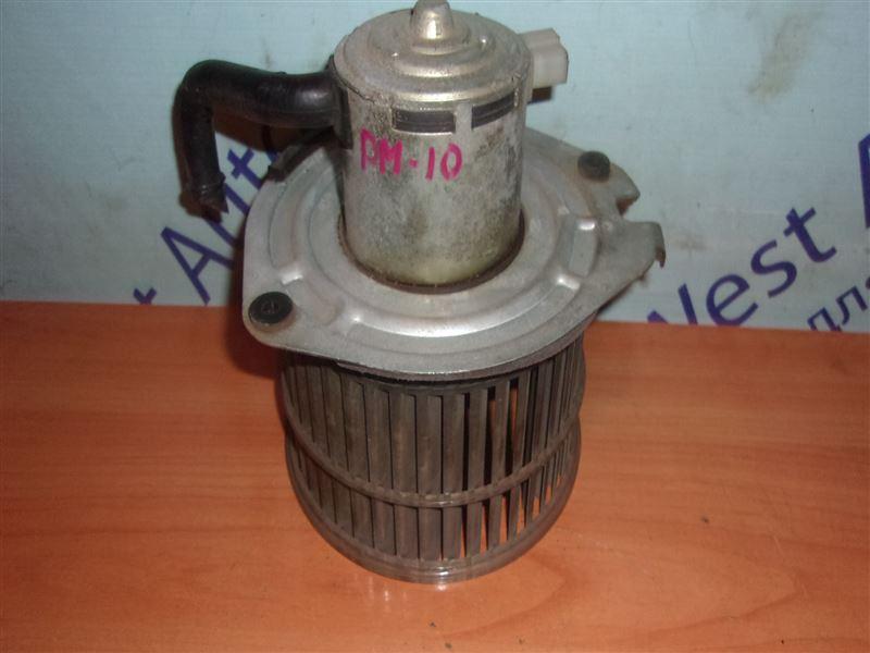Мотор печки Nissan Prairie PM10 CA18S 1988