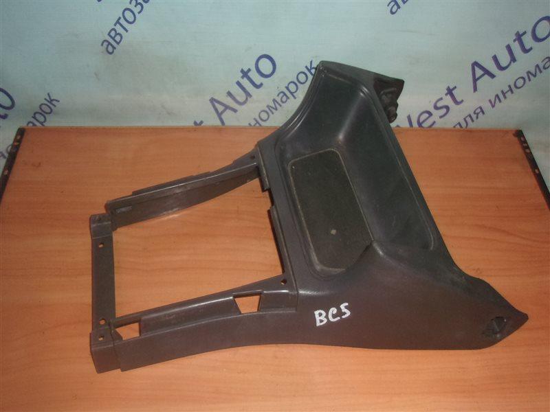 Консоль между сидений Subaru Legacy BC5 EJ20 1992